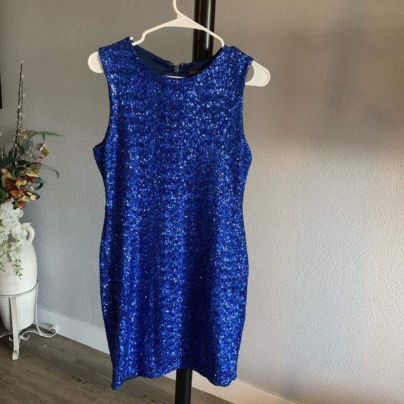 Topshop Dresses & Skirts - Topshop sequined dress